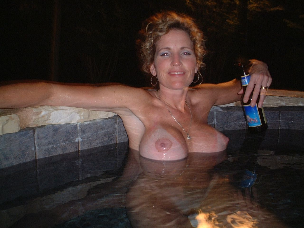 nude female syncro swimmers