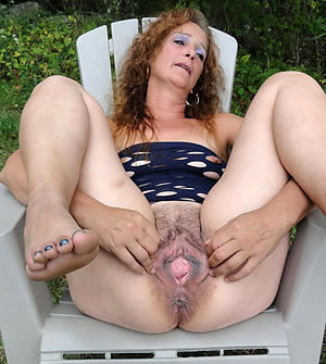 Mature granny hairy pussy pictures